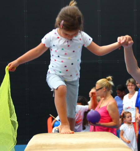 Bild:Kinderturnen